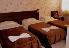 jolfa-hotel-isfahan-triple-room-2