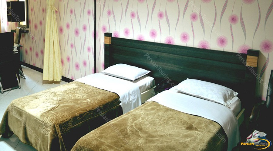 jolfa-hotel-isfahan-twin-room-2