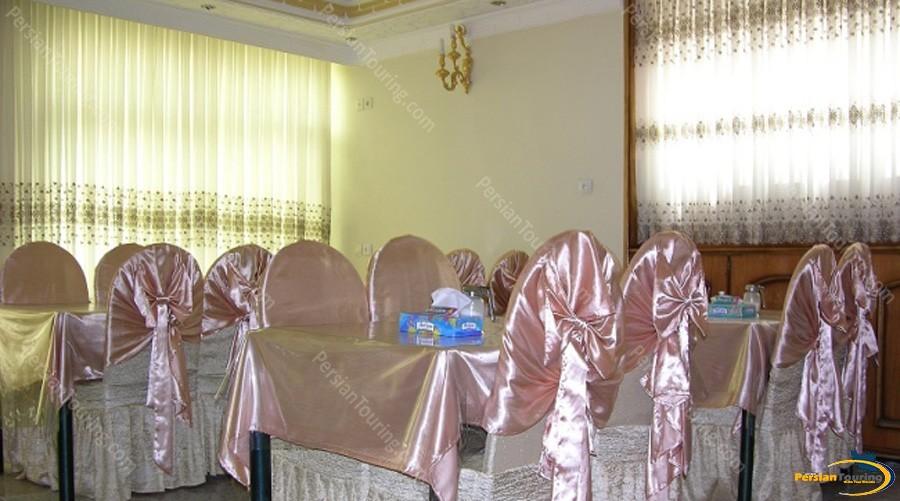 morvarid-hotel-isfahan-restuarant-1