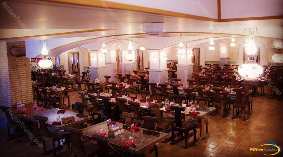 partikan-hotel-isfahan-restuarant-22