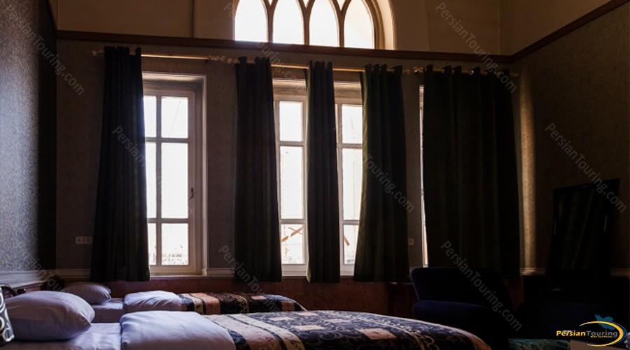 aftab-hotel-tehran-twin-room-1