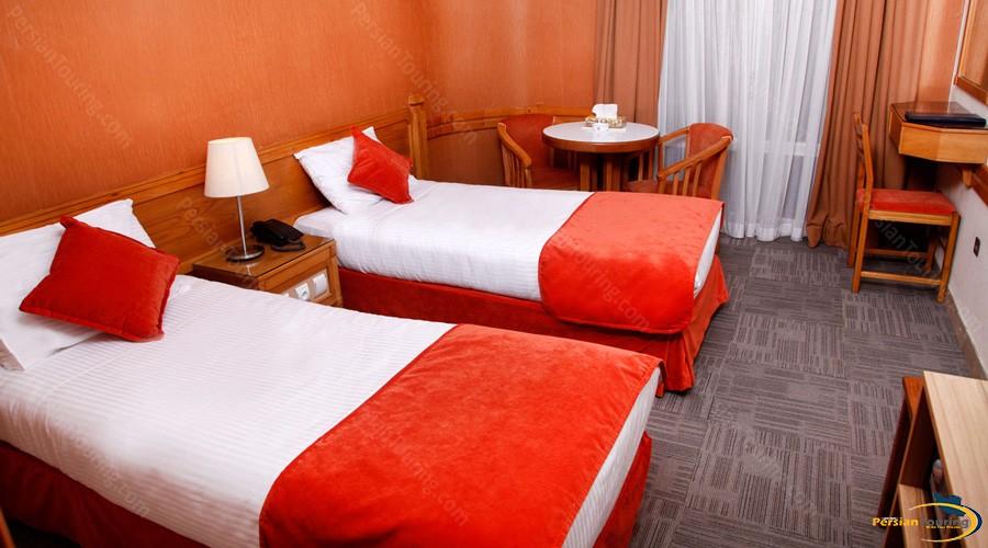 alborz-hotel-tehran-twin-room-1