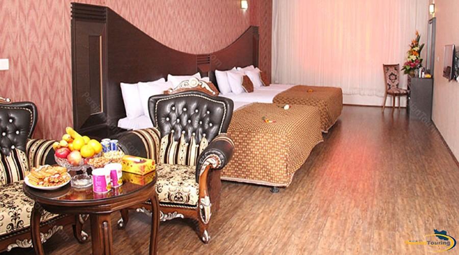 baba-taher-hotel-tehran-quadruple-room-1