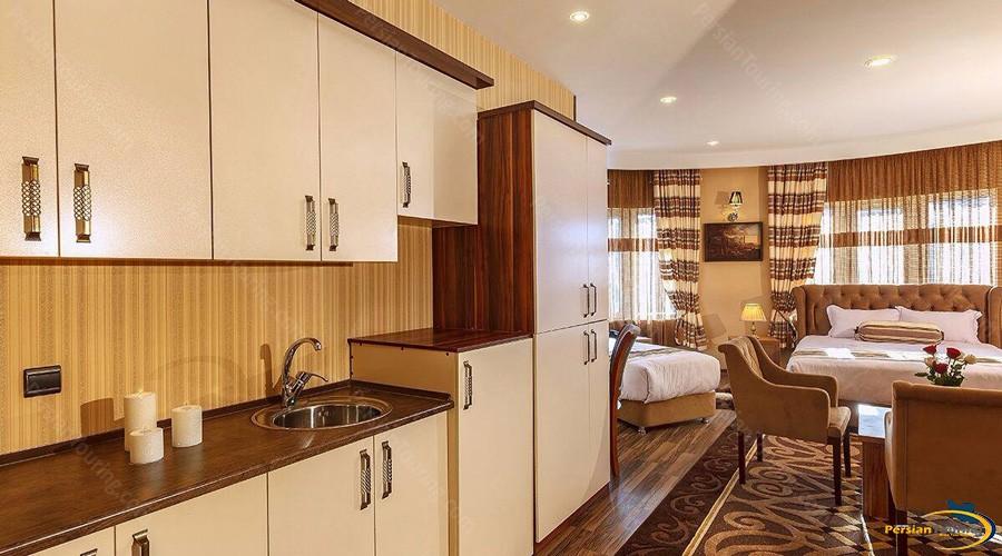 bahar-hotel-tehran-triple-room-4