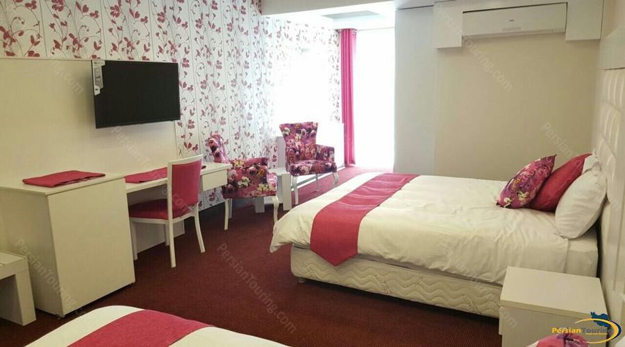 baloot-hotel-tehran-triple-room-12