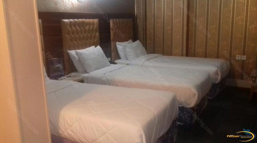 boulevard-hotel-tehran-triple-room-2