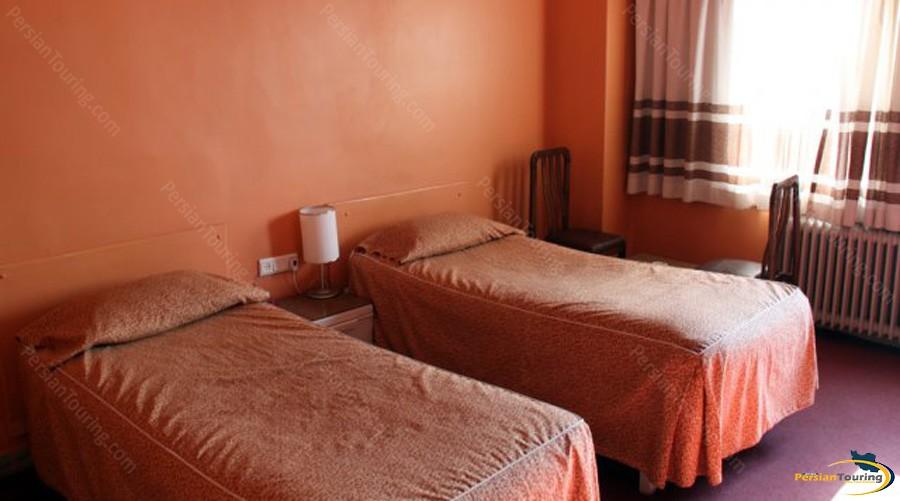 canary-hotel-tehran-twin-room-1