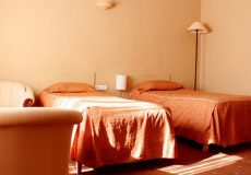 canary-hotel-tehran-twin-room-2