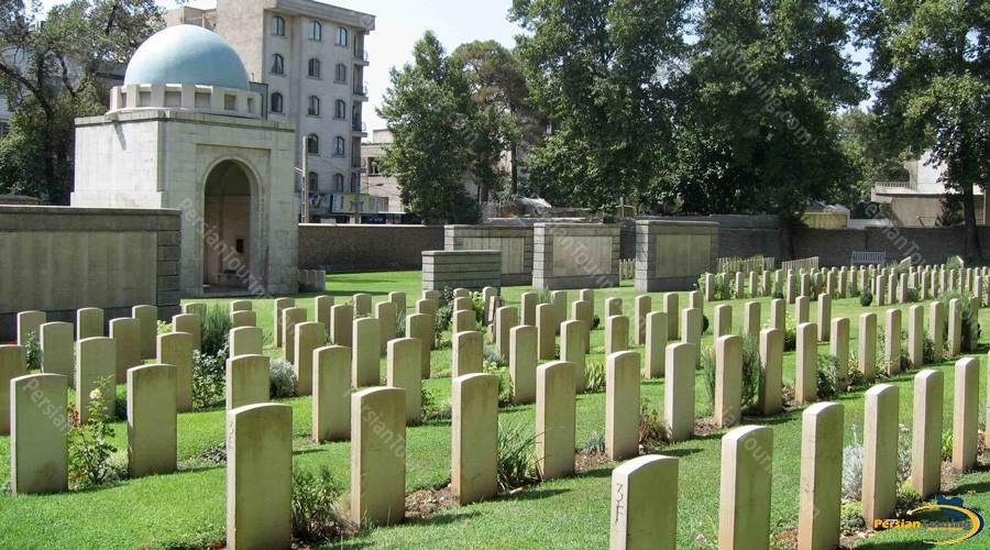 dowlat-graveyard-2