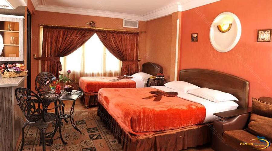 elyan-hotel-tehran-triple-room-1
