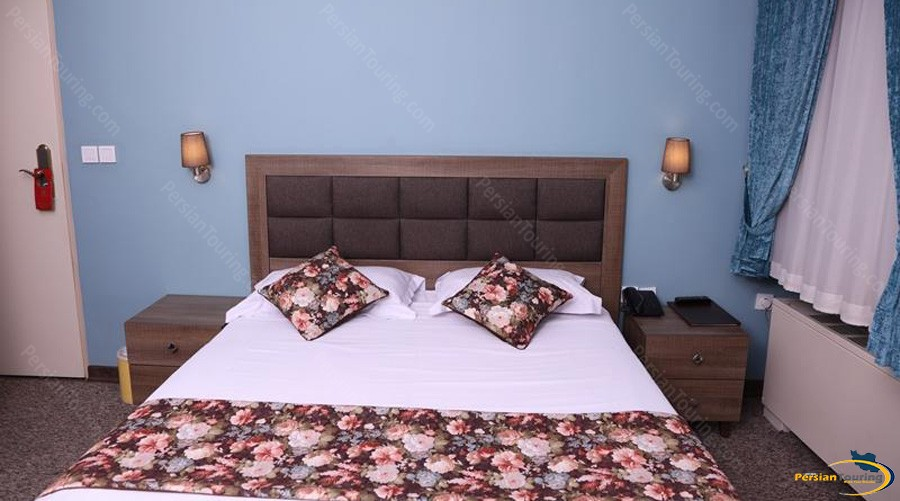 hally-hotel-tehran-double-room-2