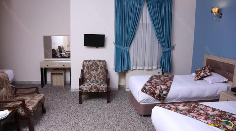 hally-hotel-tehran-twin-room-2