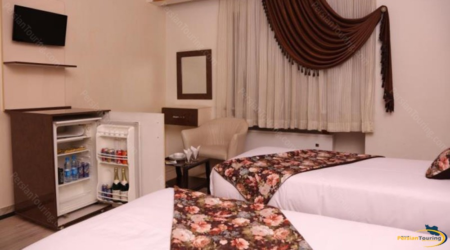 hally-hotel-tehran-twin-room-4