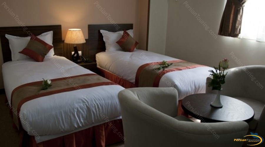 hejab-hotel-tehran-twin-room-1