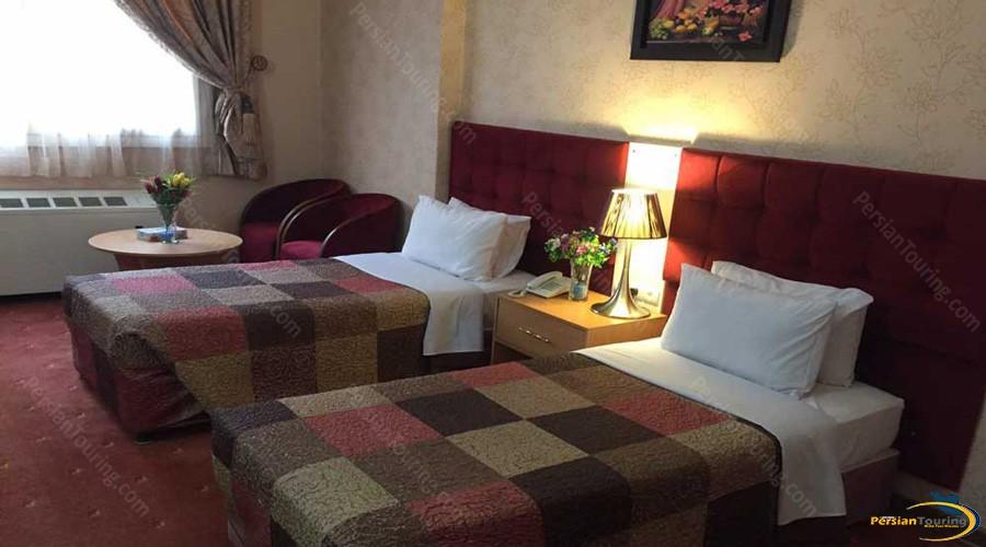 iran-hotel-tehran-twin-room-3