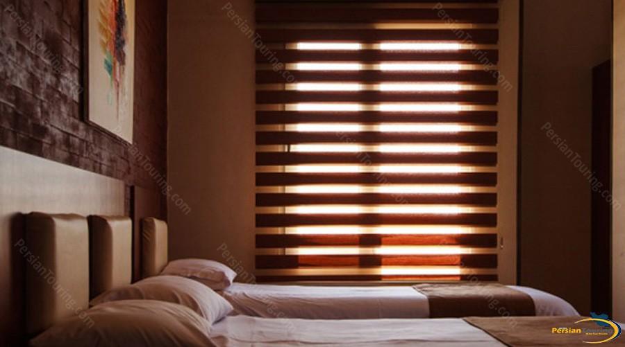 jahan-hotel-tehran-triple-room-1