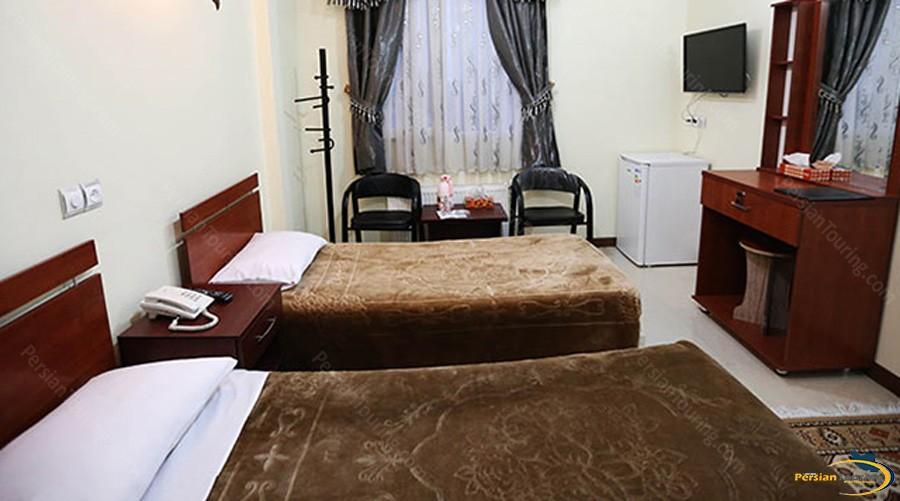 mina-hotel-tehran-twin-room-1