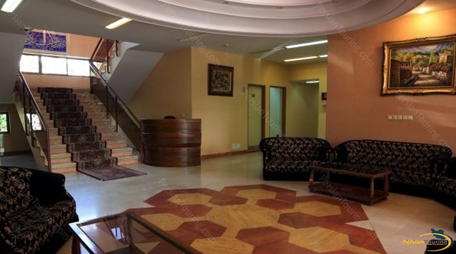 pazhoohesh-hotel-tehran-lobby