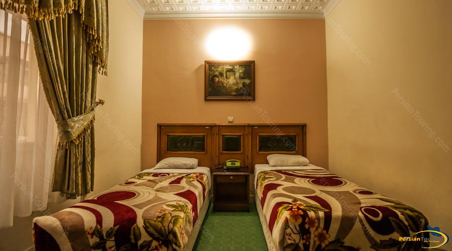 saadi-hotel-tehran-twin-room-2