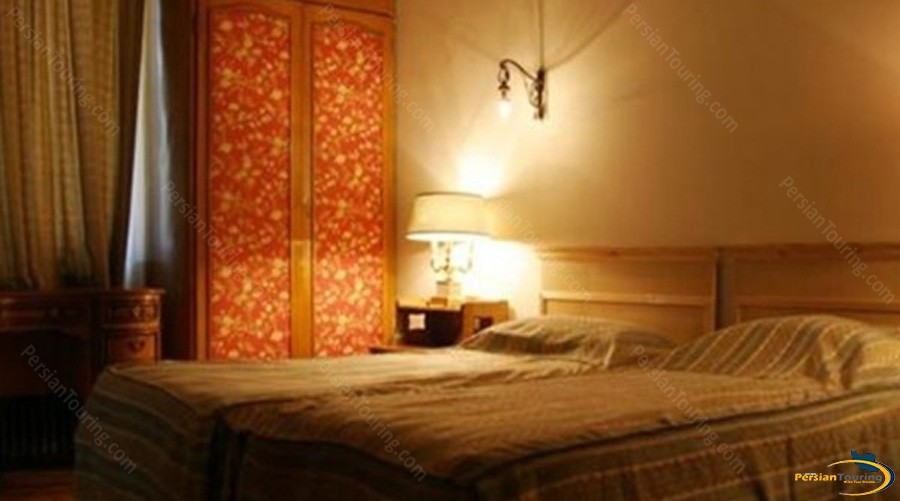 shemshak-tourist-hotel-tehran-twin-room-1
