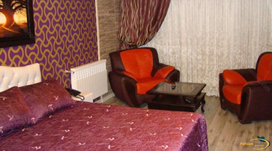 shiyan-hotel-tehran-twin-room-1
