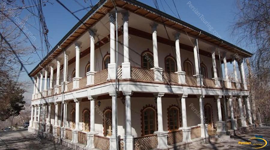-sorkheh-hesar-palace-3