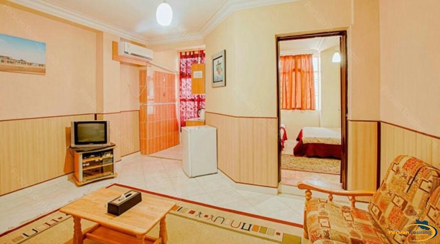 aram-hotel-qeshm-suite-1