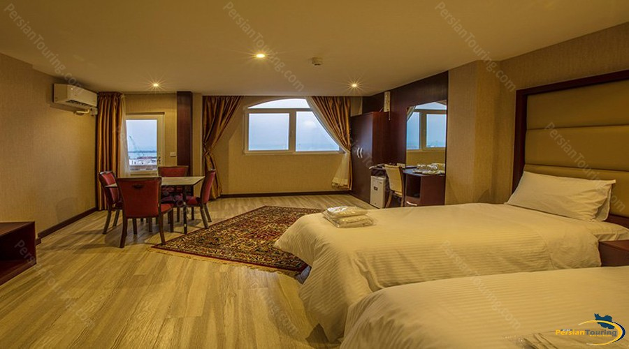 arta-hotel-qeshm-twin-room-3