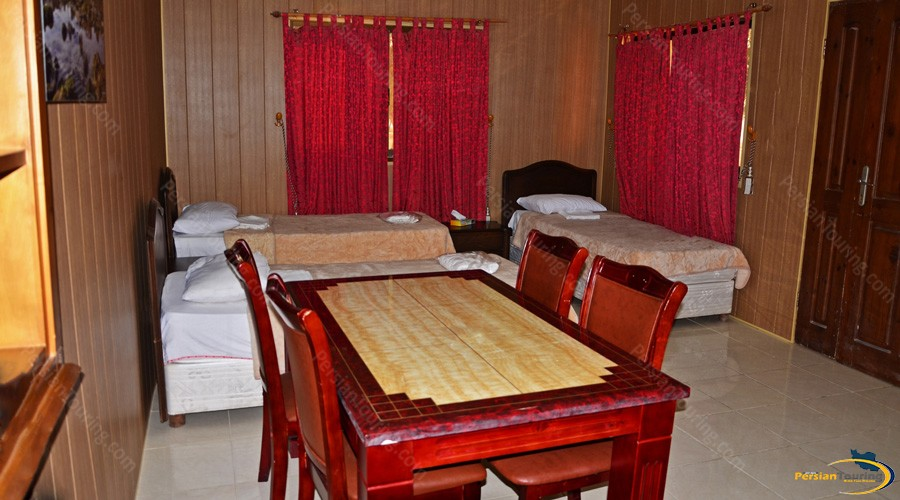 golden-beach-hotel-qeshm-triple-room-1