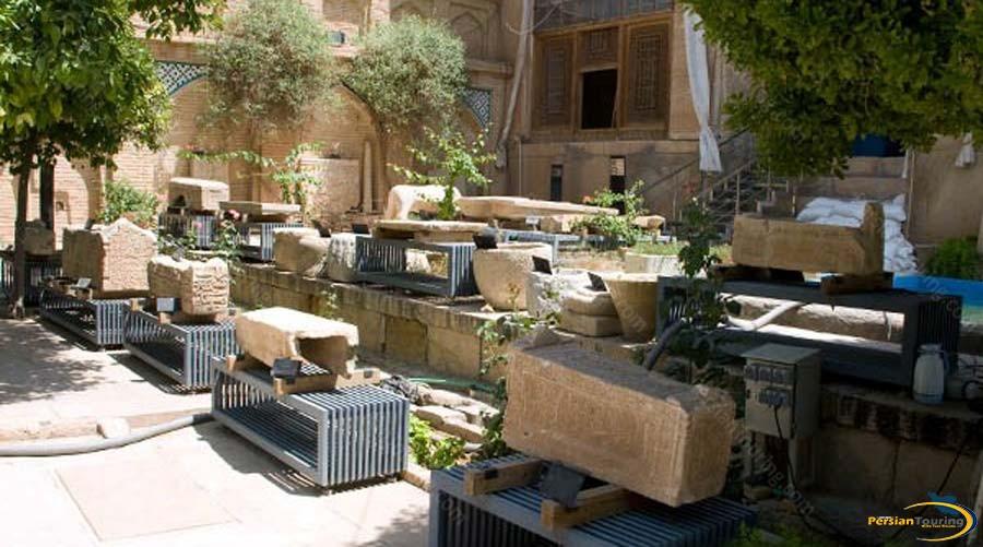 haft-tanan-mourning-place-1