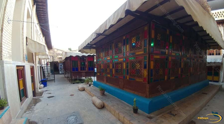 niayesh-hotel-shiraz-altar