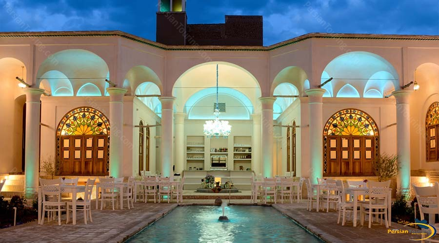ariana-hotel-kashan-cafe-1