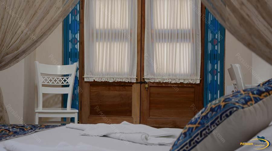 ariana-hotel-kashan-quadruple-suite-1