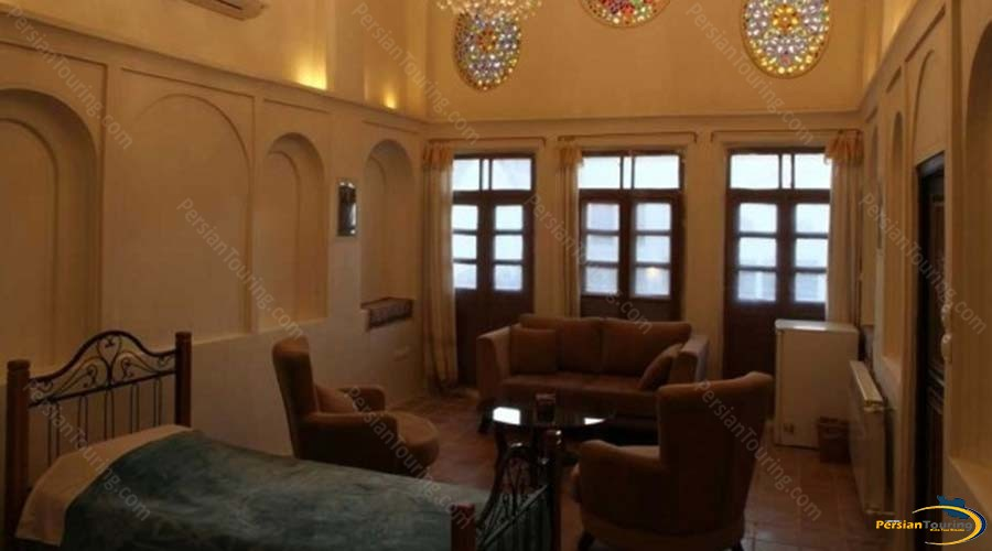 ehsan-traditional-hotel-kashan-vip-quadruple-room