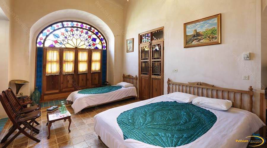 morshedi-house-hotel-kashan-triple-room-1