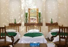 morshedi-house-hotel-kashan-wind-catcher-four-beds-room-1