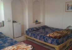 noghli-hotel-kashan-five-beds-room-2