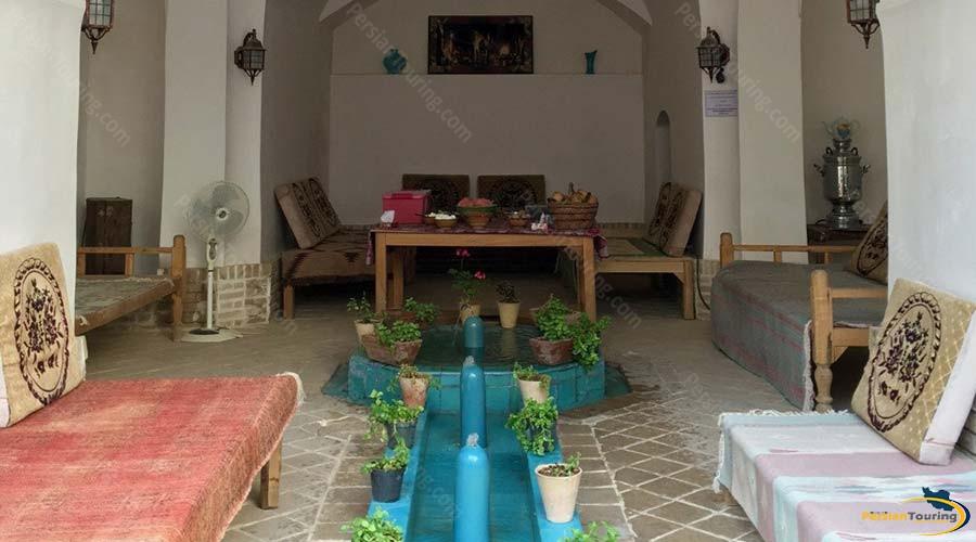 noghli-hotel-kashan-traditional-restaurant-1