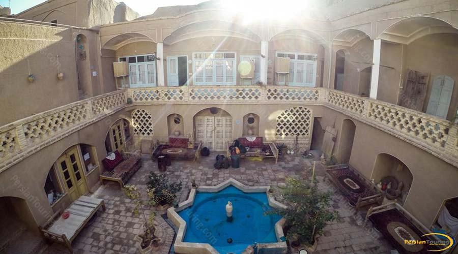 noghli-hotel-kashan-yard-1