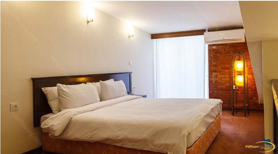tourist-guest-house-shiraz-double-room