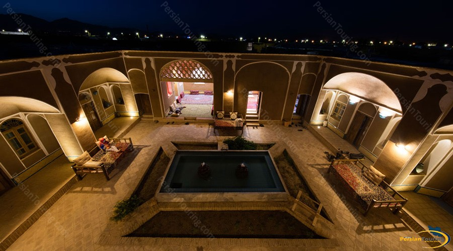 up-view-tak-taku-guesthouse-isfahan