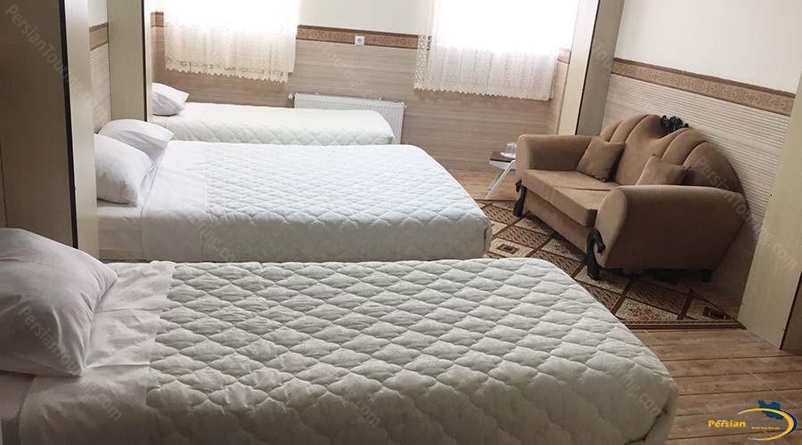 al-zahra-hotel-yazd-quadruple-room-1