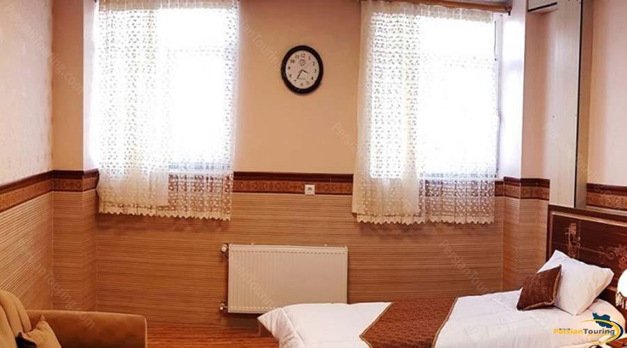 al-zahra-hotel-yazd-single-room-1