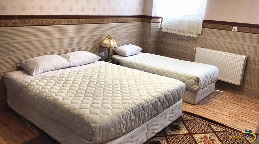 al-zahra-hotel-yazd-triple-room-1