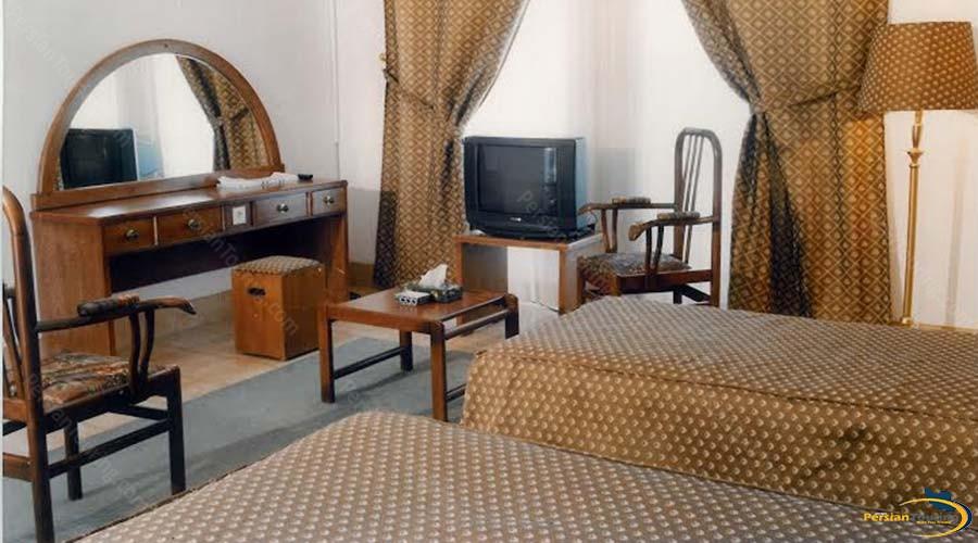 caravan-hotel-yazd-room-1
