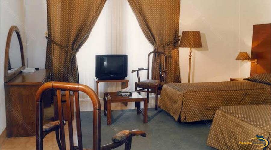 caravan-hotel-yazd-room-2