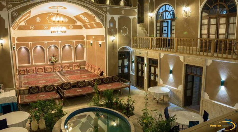 firoozeh-traditional-hotel-yazd-yard-1