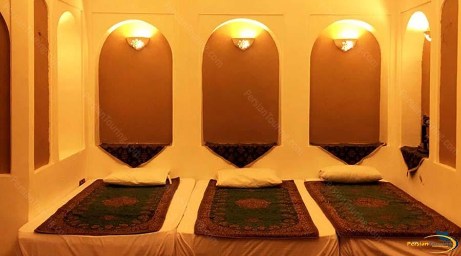 khane-dohad-hotel-yazd-triple-room-1