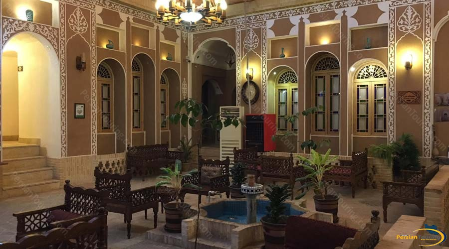 khane-dohad-hotel-yazd-yard-2