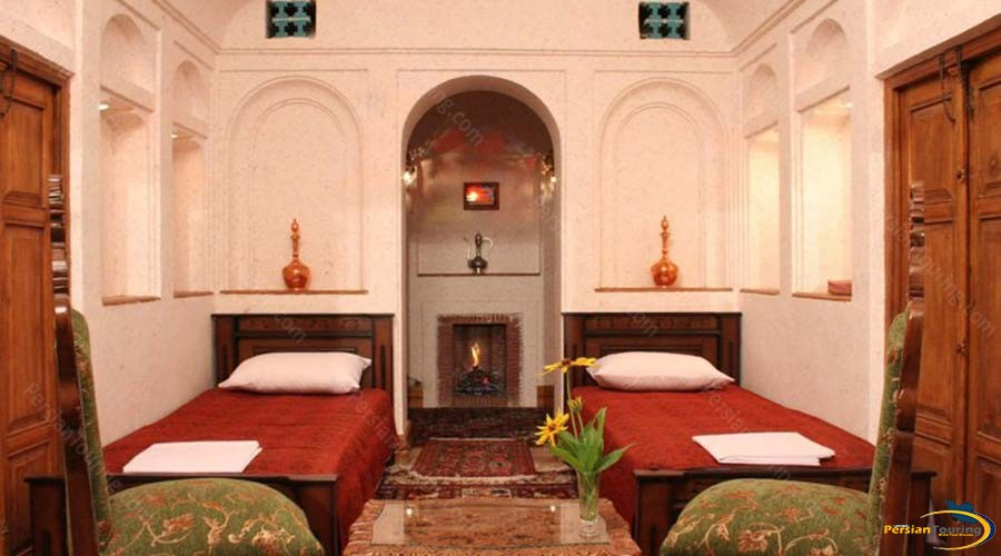 morshed-garden-traditional-hotel-yazd-twin-room-1